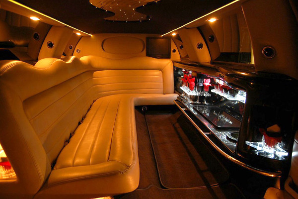 8 Person Lincoln Limo Service Charlotte